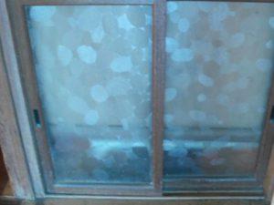 雪、雲形ガラス